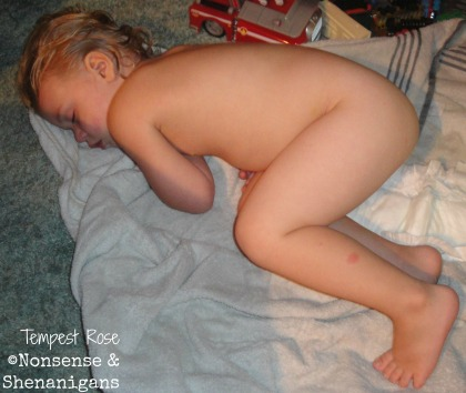 toddler sleeping naked